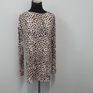 A Pea in the pod Maternity animal print top